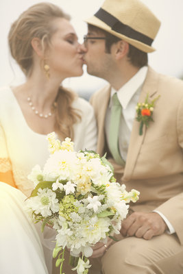 Real Weddings, Wedding Style, Spring Weddings, West Coast Real Weddings, Garden Real Weddings, Spring Real Weddings, Vintage Real Weddings, Garden Weddings, Vintage Weddings