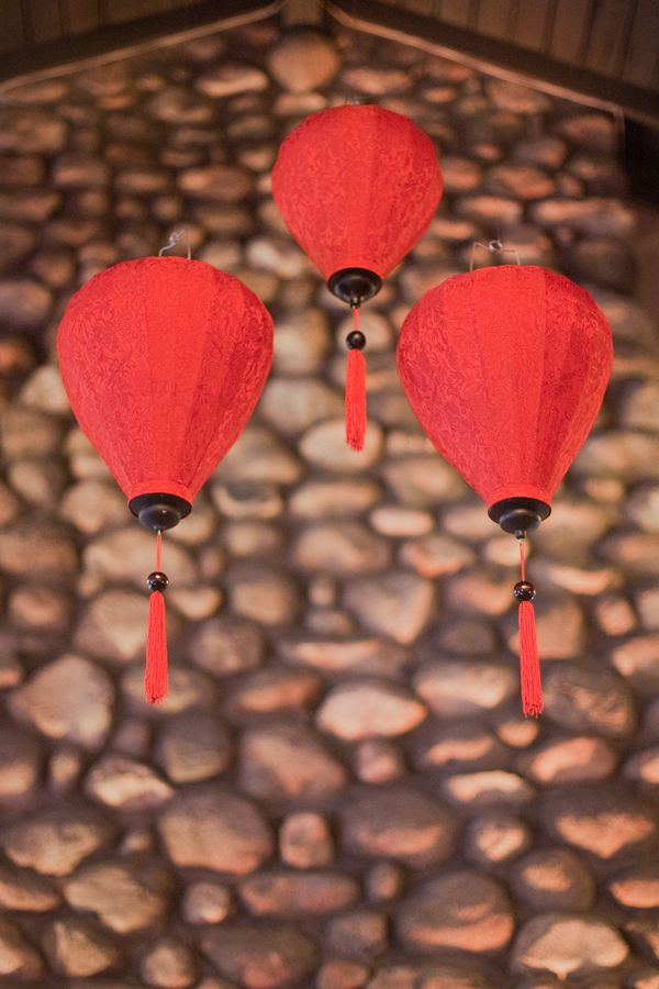 Flowers & Decor, Real Weddings, Wedding Style, red, Lighting, Modern Real Weddings, Summer Weddings, Summer Real Weddings, Modern Weddings, Modern Wedding Flowers & Decor, Lanterns