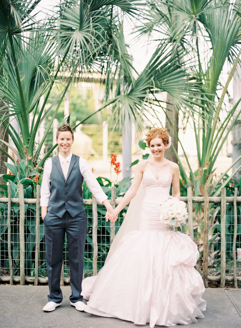 Real Weddings, Summer Weddings, Summer Real Weddings, Same sex wedding, Pink wedding dress, Same Sex Real Weddings, Romantic Real Weddings, Romantic Weddings, Gay Real Weddings, Gay Weddings, Texas Real Weddings, Texas Weddings