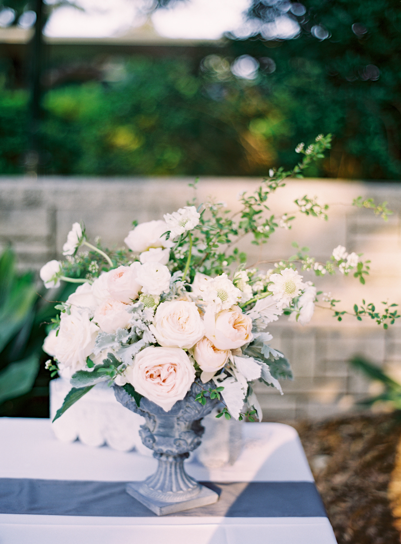 Flowers & Decor, Real Weddings, pink, Platinum, Ceremony Decor, Summer Weddings, Summer Real Weddings, Grey, Same sex wedding, Ceremony décor, Same Sex Real Weddings, Romantic Real Weddings, Romantic Weddings, Gay Real Weddings, Gay Weddings, Texas Real Weddings, Texas Weddings, stone urn