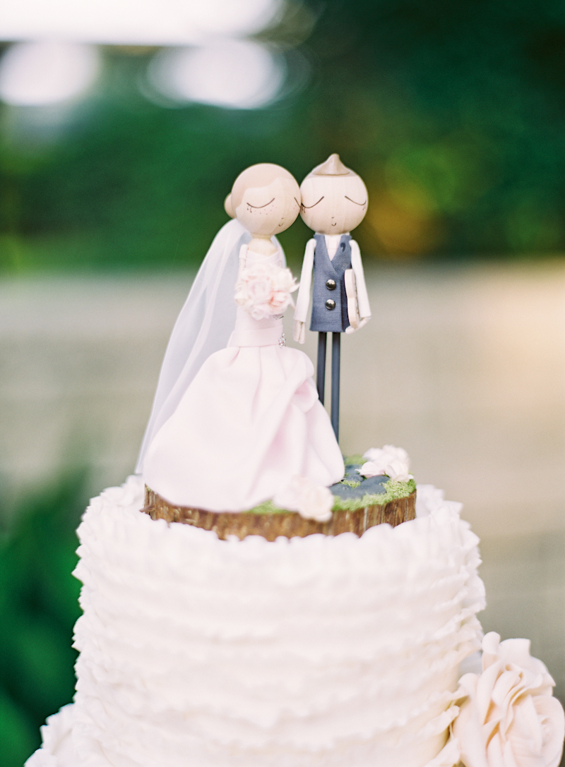 Cakes, Real Weddings, Wedding Style, Cake Toppers, Summer Weddings, Summer Real Weddings, Same sex wedding, Same Sex Real Weddings, Romantic Real Weddings, Romantic Weddings, Gay Real Weddings, Gay Weddings, Texas Real Weddings, Texas Weddings