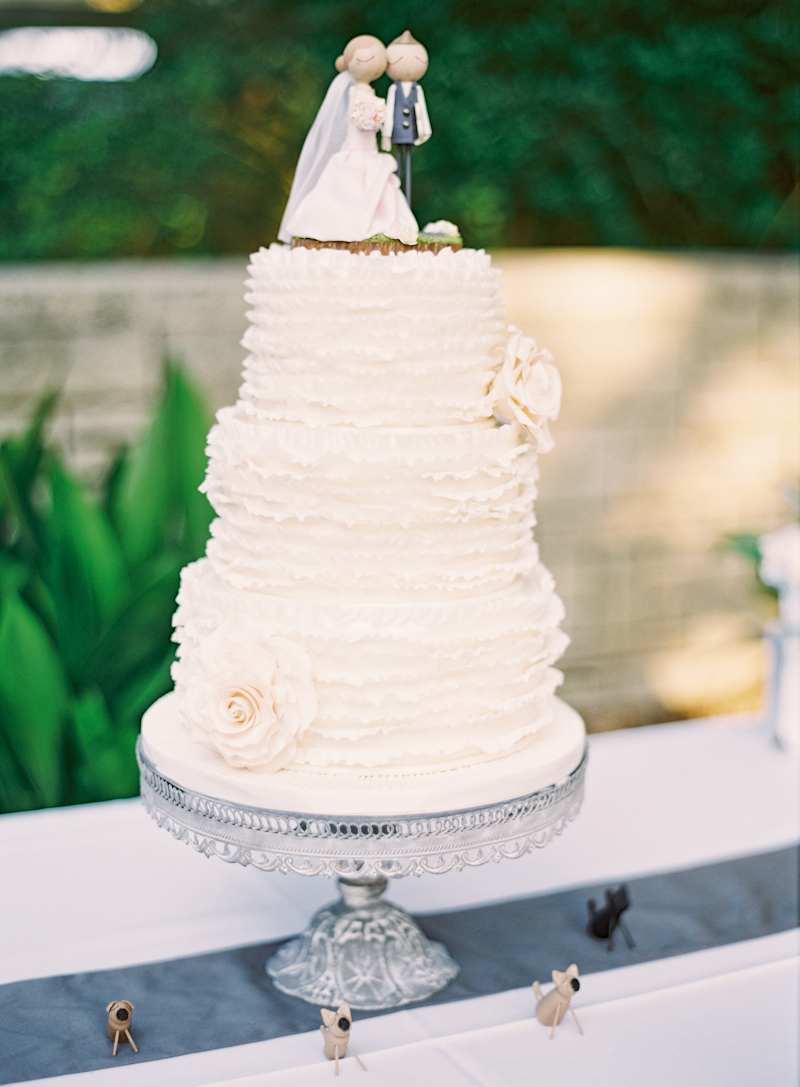 Cakes, Real Weddings, Wedding Style, Summer Weddings, Summer Real Weddings, Ruffles, Same sex wedding, Same Sex Real Weddings, Romantic Real Weddings, Romantic Weddings, Gay Real Weddings, Gay Weddings, Texas Real Weddings, Texas Weddings