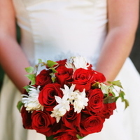 Real Weddings, red, Bride Bouquets, West Coast Real Weddings, Classic Real Weddings, Vineyard Real Weddings, Classic Weddings