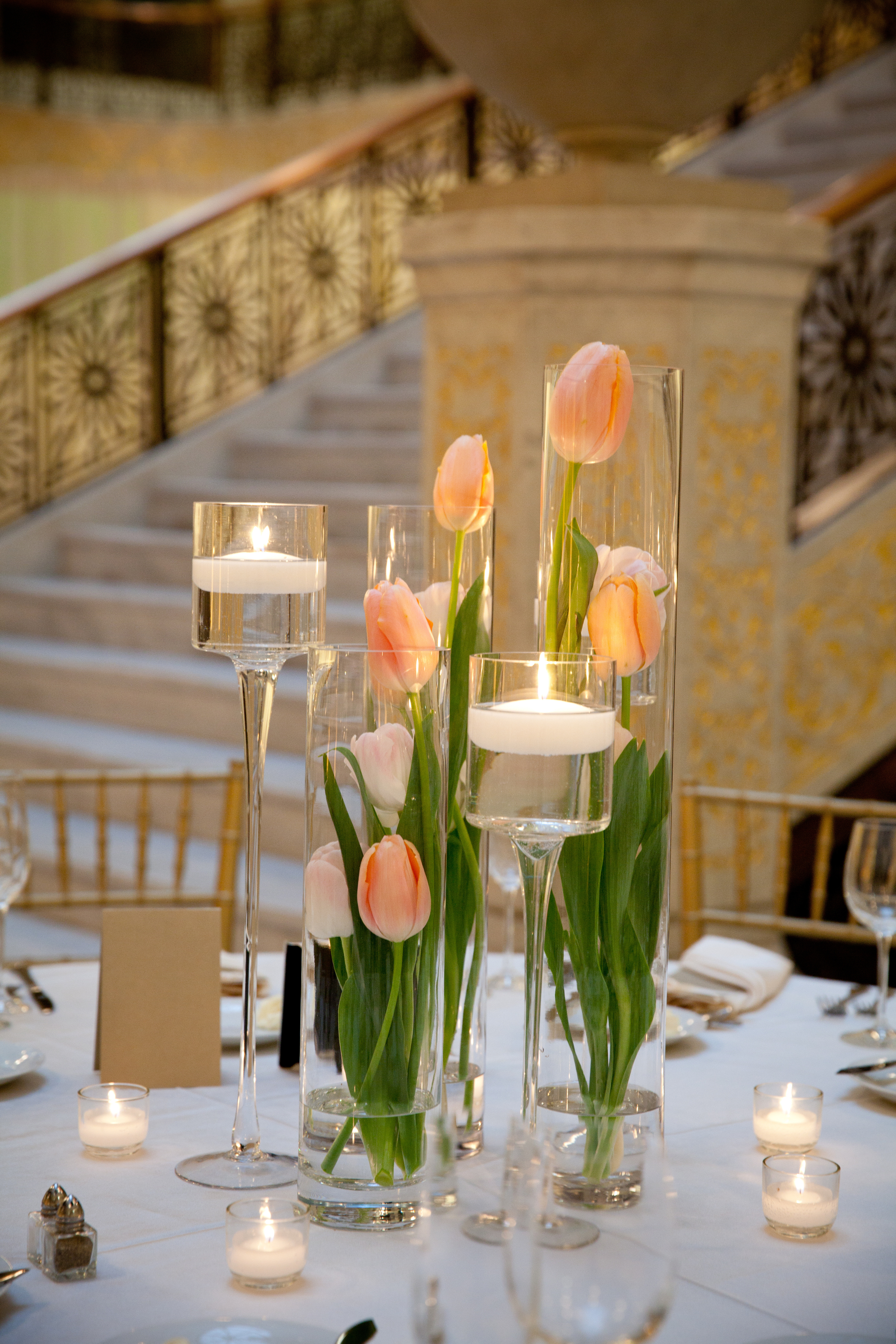 the centerpieces a springtime tulip statement photo by gerber scarpelli flowers by vale of enna. Black Bedroom Furniture Sets. Home Design Ideas