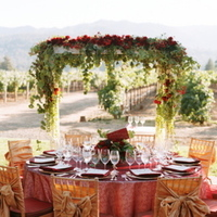 Flowers & Decor, Real Weddings, Wedding Style, red, West Coast Real Weddings, Classic Real Weddings, Vineyard Real Weddings, Classic Weddings