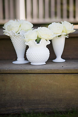Flowers & Decor, Real Weddings, Wedding Style, white, Rustic Real Weddings, Spring Weddings, Spring Real Weddings, Rustic Weddings, Rustic Wedding Flowers & Decor, Spring Wedding Flowers & Decor, mid-atlantic real weddings