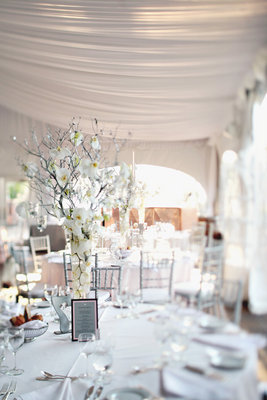 Flowers & Decor, Real Weddings, Wedding Style, white, Centerpieces, West Coast Real Weddings, Vineyard Weddings, Classic Wedding Flowers & Decor