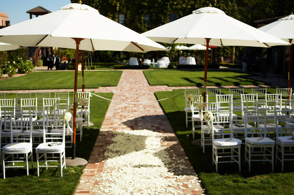 Flowers & Decor, Real Weddings, Wedding Style, Ceremony Flowers, Modern Real Weddings, Glam Real Weddings, Vineyard Real Weddings, Glam Weddings, Modern Weddings, Vineyard Weddings