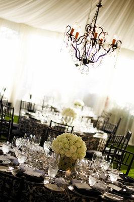 Flowers & Decor, Real Weddings, Wedding Style, Tables & Seating, Modern Real Weddings, Glam Real Weddings, Glam Weddings, Modern Weddings, Glam Wedding Flowers & Decor, Modern Wedding Flowers & Decor, Damask