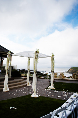 Real Weddings, white, West Coast Real Weddings, Classic Real Weddings, Classic Weddings, Classic Wedding Flowers & Decor, altars