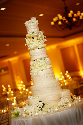 Cakes, Real Weddings, Wedding Style, white, Classic Wedding Cakes, Floral Wedding Cakes, Round Wedding Cakes, Wedding Cakes, West Coast Real Weddings, Classic Real Weddings, Classic Weddings, West Coast Weddings