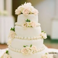 Cakes, Real Weddings, Wedding Style, white, Floral Wedding Cakes, Wedding Cakes, Southern Real Weddings, Classic Real Weddings, Summer Real Weddings, Classic Weddings