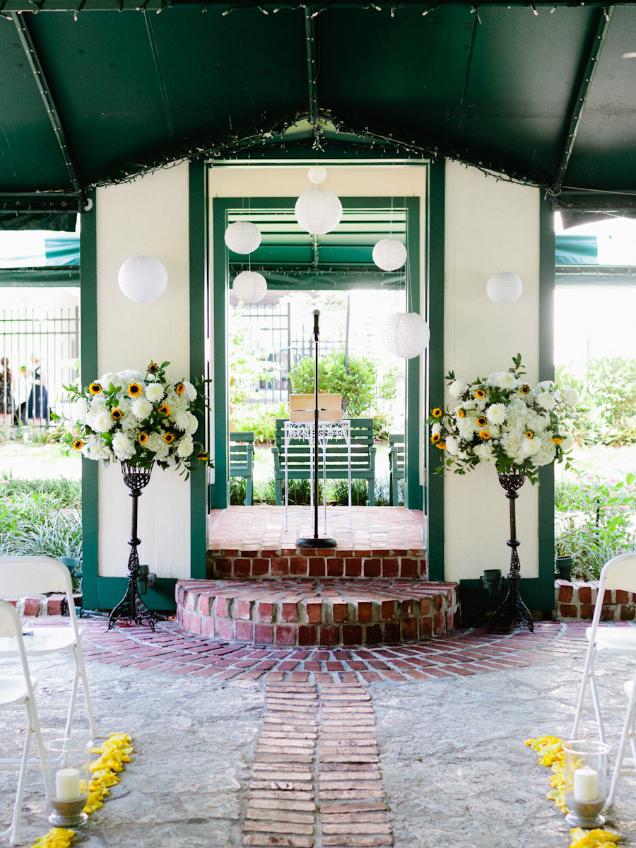 Flowers & Decor, Real Weddings, Wedding Style, green, Ceremony Flowers, Southern Real Weddings, Summer Weddings, Summer Real Weddings, Summer Wedding Flowers & Decor
