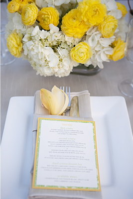 Real Weddings, Wedding Style, West Coast Real Weddings, Spring Real Weddings, Spring Weddings, Modern Real Weddings, Modern Weddings, Flowers & Decor, Modern Wedding Flowers & Decor, yellow, Centerpieces, white, Stationery, Menu Cards, Table settings