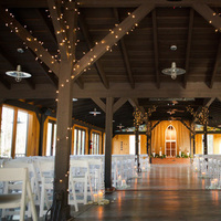 Flowers & Decor, Real Weddings, Wedding Style, brown, Lighting, Southern Real Weddings, Winter Weddings, Winter Real Weddings, Rustic Weddings, Rustic Wedding Flowers & Decor