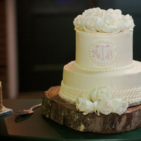 Cakes, Real Weddings, Wedding Style, white, Classic Wedding Cakes, Floral Wedding Cakes, Round Wedding Cakes, Wedding Cakes, Southern Real Weddings, Winter Weddings, Winter Real Weddings