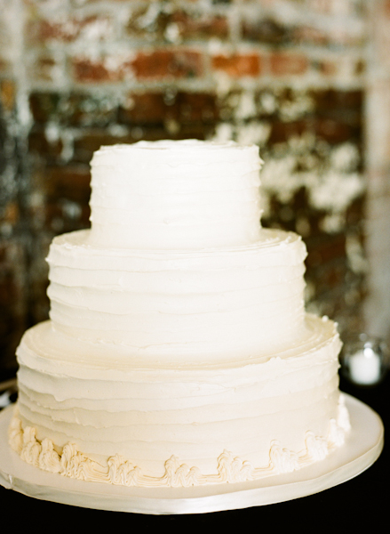 Cakes, Real Weddings, Wedding Style, ivory, Modern Wedding Cakes, Round Wedding Cakes, Wedding Cakes, Northeast Real Weddings, Modern Real Weddings, Winter Weddings, City Real Weddings, Winter Real Weddings, City Weddings, Modern Weddings