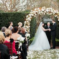 Flowers & Decor, Real Weddings, Wedding Style, Ceremony Flowers, Fall Weddings, Southern Real Weddings, Classic Real Weddings, Fall Real Weddings, Classic Weddings, Garden Weddings, Classic Wedding Flowers & Decor, Arch, Southern weddings