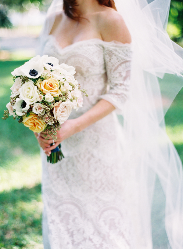 Flowers & Decor, Romantic Wedding Dresses, Destinations, Fashion, Real Weddings, Wedding Style, Destination Weddings, Bride Bouquets, Classic Real Weddings, Summer Real Weddings, Classic Weddings, Classic Wedding Flowers & Decor, Roses, Peach, Poppies, Romantic Real Weddings, Romantic Weddings