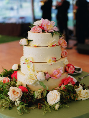 Cakes, Real Weddings, Wedding Style, pink, Classic Wedding Cakes, Floral Wedding Cakes, Garden Wedding Cakes, Round Wedding Cakes, Wedding Cakes, Fall Weddings, West Coast Real Weddings, Fall Real Weddings