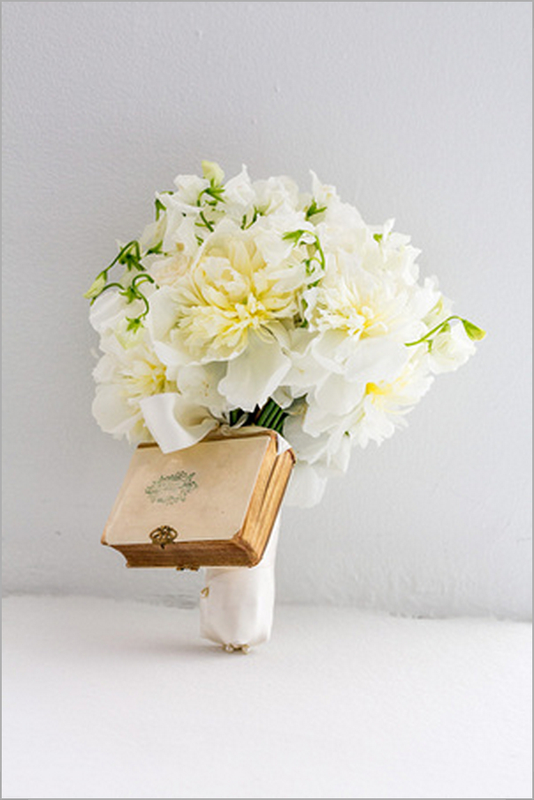 Flowers & Decor, Real Weddings, Wedding Style, white, Bride Bouquets, Northeast Real Weddings, City Real Weddings, Classic Real Weddings, Classic Weddings, Classic Wedding Flowers & Decor