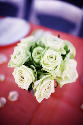 Flowers & Decor, Real Weddings, white, Centerpieces, City Real Weddings, Summer Real Weddings, City Weddings, Beach Wedding Flowers & Decor, Classic Wedding Flowers & Decor, Garden Wedding Flowers & Decor, Spring Wedding Flowers & Decor, Summer Wedding Flowers & Decor, new york weddings, new york real weddings