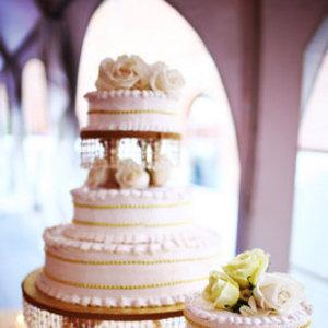 Cakes, Real Weddings, Wedding Style, Wedding Cakes, Summer Weddings, City Real Weddings, Summer Real Weddings, City Weddings, new york weddings, new york real weddings