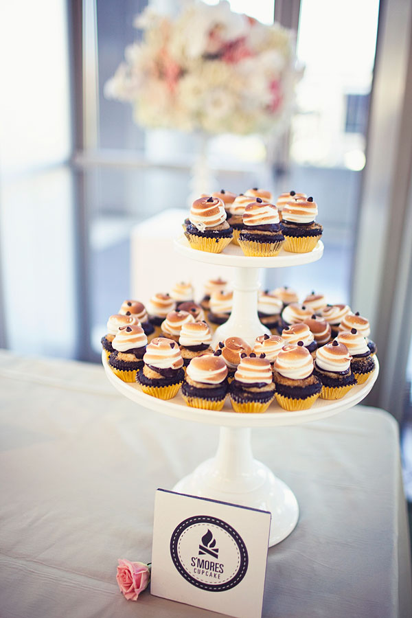 Real Weddings, brown, Cupcakes, Modern Real Weddings, West Coast Real Weddings, Modern Weddings