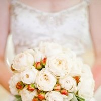 Flowers & Decor, Real Weddings, Wedding Style, orange, Bride Bouquets, West Coast Real Weddings, Vineyard Real Weddings, Vineyard Weddings, Summer Wedding Flowers & Decor