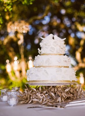 Cakes, Real Weddings, Wedding Style, Classic Wedding Cakes, Floral Wedding Cakes, Wedding Cakes, West Coast Real Weddings, Vineyard Real Weddings, Vineyard Weddings