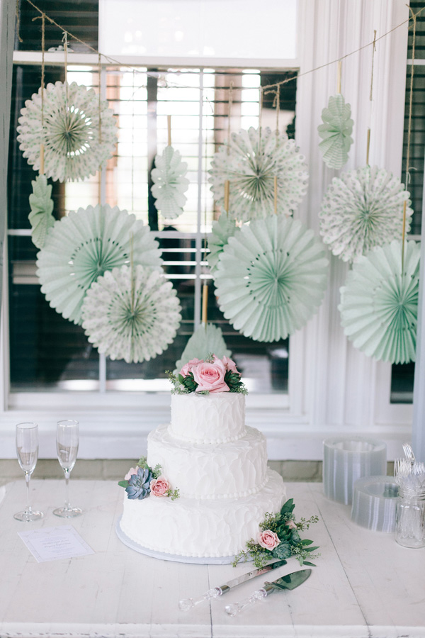 Cakes, Real Weddings, Wedding Style, Floral Wedding Cakes, Wedding Cakes, Southern Real Weddings, Summer Weddings, Summer Real Weddings, Pastel, preppy weddings, preppy real weddings