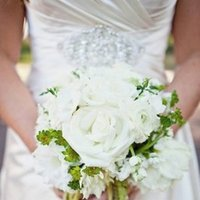 Flowers & Decor, Real Weddings, Wedding Style, white, green, Bride Bouquets, Southern Real Weddings, Spring Weddings, Summer Weddings, Spring Real Weddings, Summer Real Weddings, Southern weddings, Classic Flowers & Decor, Beach Flowers & Decor, Summer Flowers & Decor, spring flowers & decor