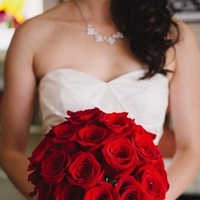 Flowers & Decor, Real Weddings, Wedding Style, red, Fall Weddings, West Coast Real Weddings, Fall Real Weddings, Crimson, West Coast Weddings, Bridal Bouquets, Romantic Real Weddings, Glamorous Real Weddings, Glamorous Weddings, Romantic Real Wedding