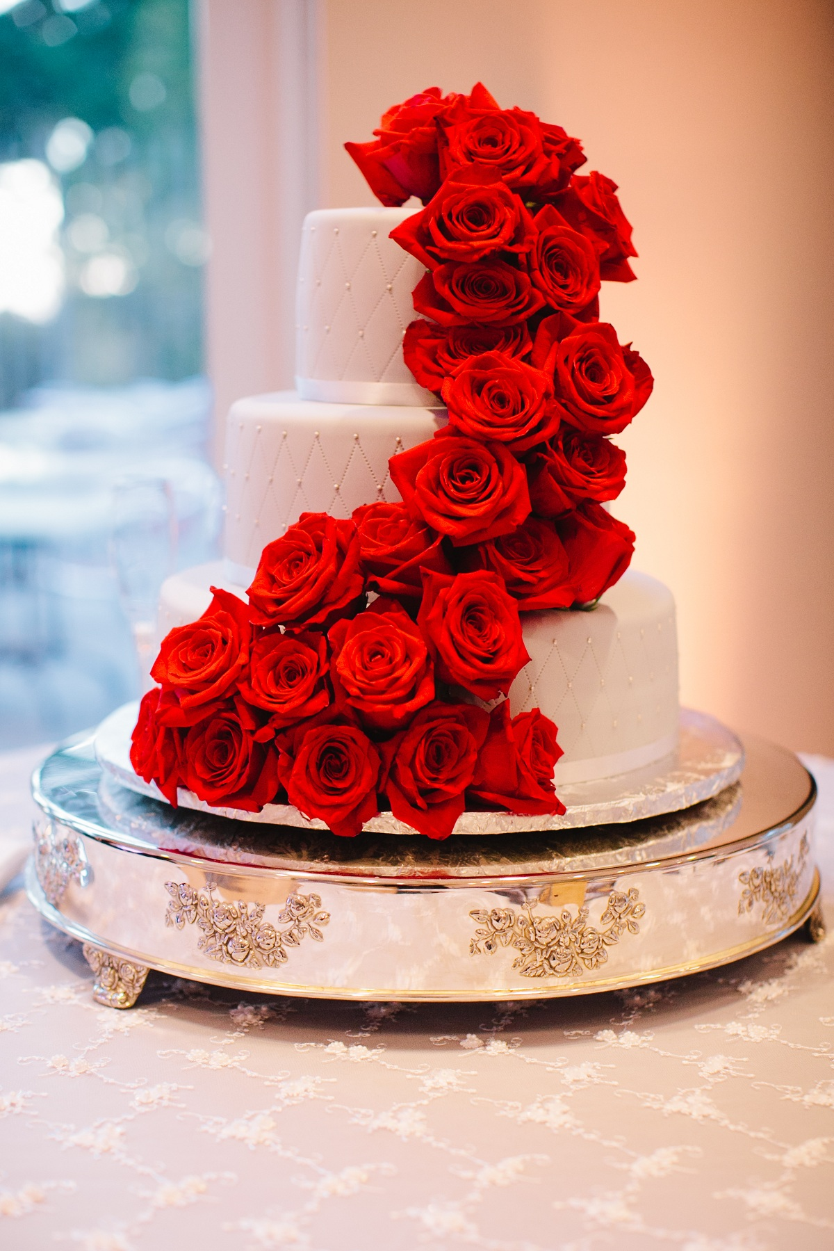 Cakes, Real Weddings, Wedding Style, red, Wedding Cakes, Fall Weddings, West Coast Real Weddings, Fall Real Weddings, Roses, Crimson, West Coast Weddings, Romantic Real Weddings, Glamorous Real Weddings, Glamorous Weddings, Romantic Real Wedding, Red Wedding Cake
