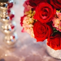 Flowers & Decor, Real Weddings, Wedding Style, red, Centerpieces, Fall Weddings, West Coast Real Weddings, Fall Real Weddings, Roses, Crimson, West Coast Weddings, Romantic Real Weddings, Glamorous Real Weddings, Glamorous Weddings, Romantic Real Wedding
