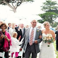 Real Weddings, Wedding Style, Summer Weddings, West Coast Real Weddings, Summer Real Weddings, Father, Dad, Umbrellas, Rain, rainy wedding