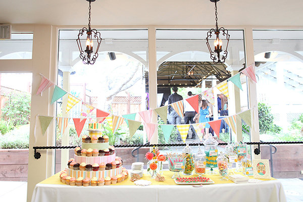 Cakes, Real Weddings, Wedding Style, Other Wedding Desserts, Cupcakes, Summer Weddings, West Coast Real Weddings, Summer Real Weddings, Candy, candy bar, Bunting