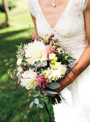 Flowers & Decor, Real Weddings, Wedding Style, Bride Bouquets, Northeast Real Weddings, Summer Weddings, Summer Real Weddings, Vintage Real Weddings, Vintage Weddings, Vintage Wedding Flowers & Decor