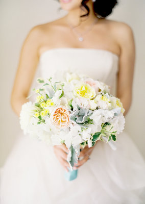 Flowers & Decor, Real Weddings, Wedding Style, Summer Weddings, West Coast Real Weddings, Summer Real Weddings, Pastel, preppy weddings, preppy real weddings, bride bouqets