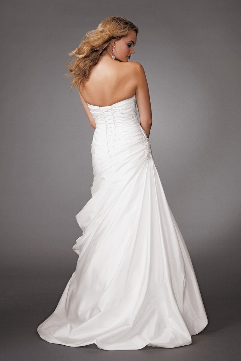 Wedding Dresses, Ball Gown Wedding Dresses, Fashion, white, Modern, Strapless, Strapless Wedding Dresses, Beading, Floor, Ballroom, Taffeta, Pleats, Ruching, Ball gown, Reflections by jordan, historic site, modern space, Modern Wedding Dresses, Beaded Wedding Dresses, taffeta wedding dresses, Winte, Floor Wedding Dresses