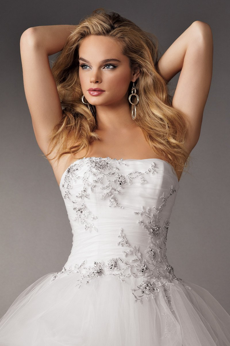 Wedding Dresses, Ball Gown Wedding Dresses, Fashion, white, Summer, Strapless, Strapless Wedding Dresses, Beading, Tulle, Floor, Formal, Ballroom, Pick-ups, Ruching, Ball gown, Reflections by jordan, historic site, modern space, Beaded Wedding Dresses, tulle wedding dresses, Formal Wedding Dresses, Summer Wedding Dresses, Floor Wedding Dresses