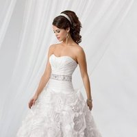 Wedding Dresses, Sweetheart Wedding Dresses, Ball Gown Wedding Dresses, Ruffled Wedding Dresses, Fashion, white, Sweetheart, Strapless, Strapless Wedding Dresses, Floor, Formal, Organza, Ballroom, Ruffles, Dropped, Pleats, Ruching, Ball gown, Reflections by jordan, historic site, organza wedding dresses, Formal Wedding Dresses, Floor Wedding Dresses