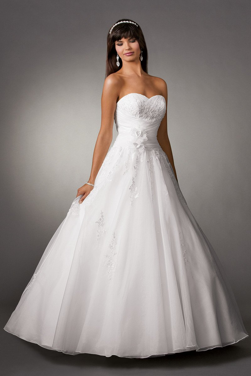 Shown In Diamond Whiteorganza Ball Gown With Sweetheart