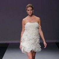 Wedding Dresses, A-line Wedding Dresses, Ruffled Wedding Dresses, Fashion, Feathers, Mini, Strapless, Strapless Wedding Dresses, A-line, Short, Glamorous, Rivini, Organza, Ruffles, Sleeveless, Short Wedding Dresses, organza wedding dresses, Feather Wedding Dresses
