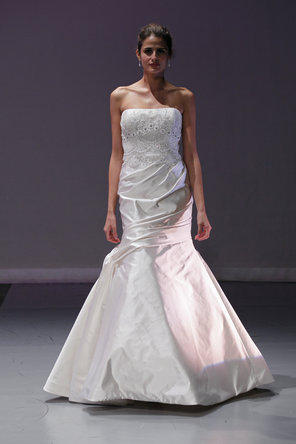 Wedding Dresses, Lace Wedding Dresses, Romantic Wedding Dresses, Fashion, Mermaid, Romantic, Lace, Elegant, Strapless, Strapless Wedding Dresses, Beading, Rivini, Satin, Embroidery, Formal, Silk, Dropped, floor length, Beaded Wedding Dresses, satin wedding dresses, Formal Wedding Dresses, Silk Wedding Dresses