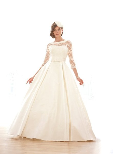 Wedding Dresses, Lace Wedding Dresses, Romantic Wedding Dresses, Fashion, Classic, Romantic, Lace, Strapless, Strapless Wedding Dresses, Sleeves, Fit and flare, Sassi holford, Full skirt, Ball gown skirt, Classic Wedding Dresses, lace sleeves, removable sleeves