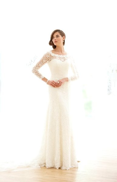 Wedding Dresses, Sweetheart Wedding Dresses, Lace Wedding Dresses, Romantic Wedding Dresses, Fashion, Classic, Romantic, Lace, Sweetheart, Long sleeves, Sassi holford, Lace overlay, low back, Classic Wedding Dresses, lace sleeves