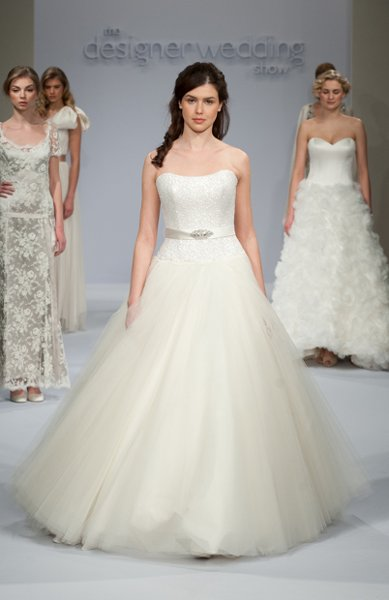 Wedding Dresses, Sweetheart Wedding Dresses, Ball Gown Wedding Dresses, Fashion, Sweetheart, Strapless, Strapless Wedding Dresses, Princess, Embellished, Sassi holford, Full skirt, Ball gown, Ball gown skirt, tulle skirt, belth, laced corset