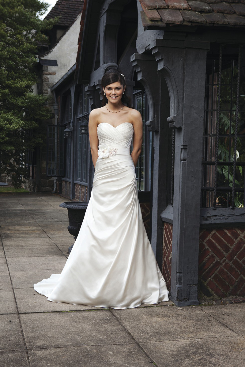 Wedding Dresses, Sweetheart Wedding Dresses, A-line Wedding Dresses, Fashion, Sweetheart, Strapless, Strapless Wedding Dresses, A-line, Belt, Satin, Sincerity, chapel train, 3D flower, pleated neckline, satin wedding dresses