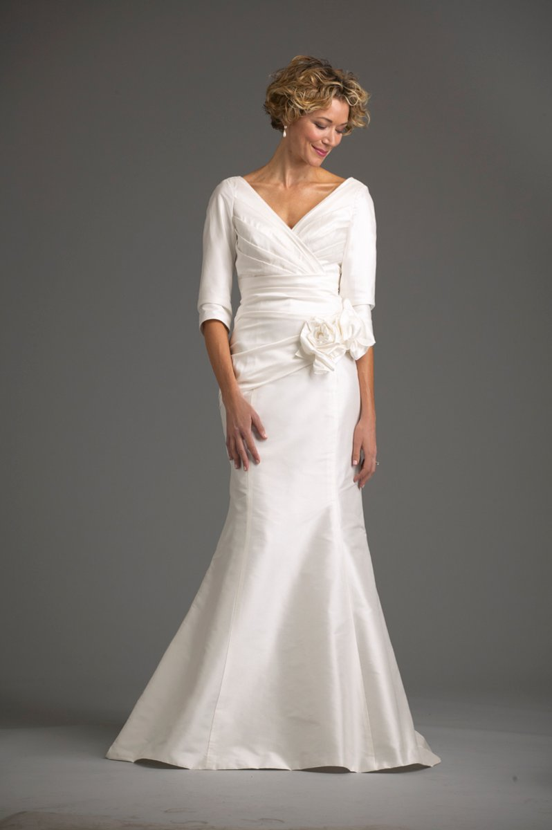 Wedding Dresses, Vintage Wedding Dresses, Fashion, white, ivory, Vintage, Classic, Glam, Flowers, Mermaid, V-neck, V-neck Wedding Dresses, Fit and flare, Trumpet, Floor, Hollywood, Modest, Shantung, Classic Wedding Dresses, siri bridal, Flower Wedding Dresses, Floor Wedding Dresses, Shantung Wedding Dresses, Modest Wedding Dresses